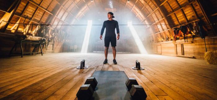 沛纳海宣布《赤手登峰》导演金国威成为品牌的新一任代言人