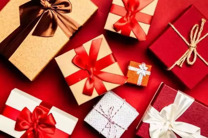 新春佳节期间用钟表当礼物送人是否合适?