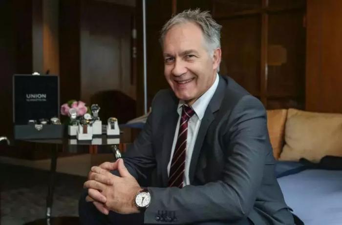 他大概是最酷的腕表品牌全球CEO了!