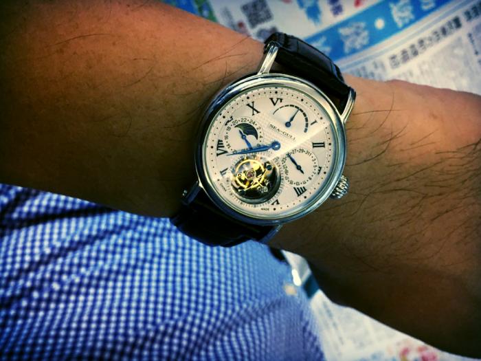 经过三个回合的对比,终于找到了国产手表如下的三大特点!
