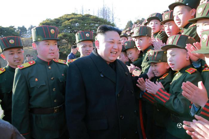 """我家的""""表叔""""数不清,看看那些朝鲜的""""表叔们""""!"""