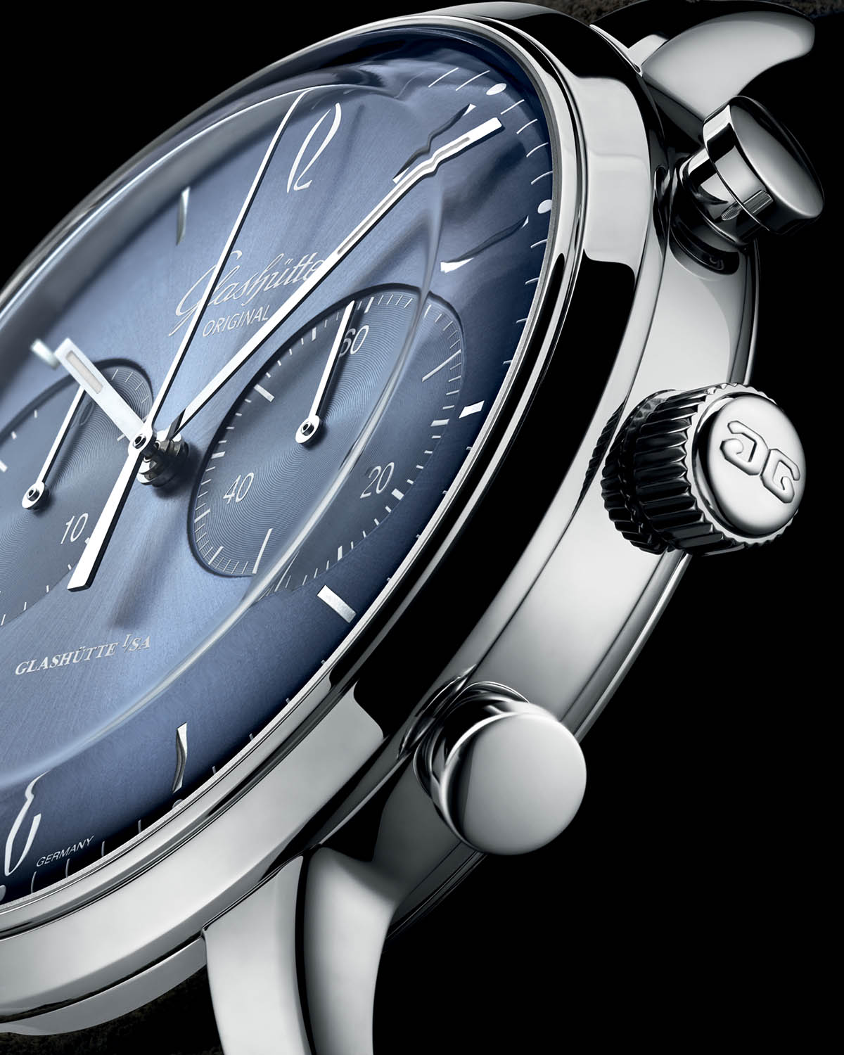 Glashutte-Original-Sixties-and-Sixities-Chronograph-Annual-Edition-2020-Glacier-Blue-2.jpg