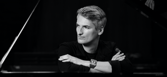RICHARD MILLE里查德米尔欢迎全新音乐挚友:托马·鲁塞尔