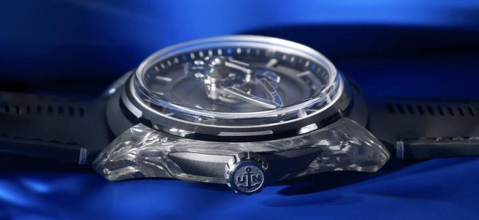 雅典表推出FREAK奇想系列腕表宝嘉尔蓝色特别版