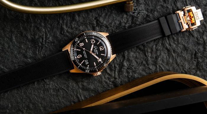格拉苏蒂原创SeaQ大日历腕表,质感很足 丨 大腕钟表新媒体