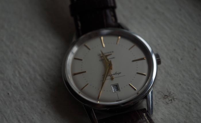 打算买块手表送岳父,哪个牌子性价比高?