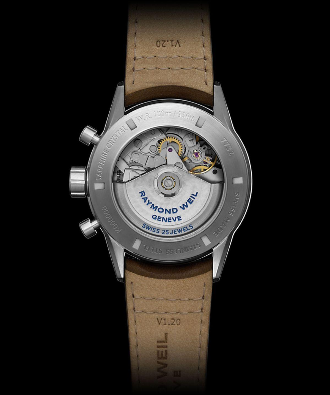 RAYMOND-WEIL-freelancer-chronograph-New-Model-with-Deep-Blue-Satin-Brushed-Dial-3.jpg