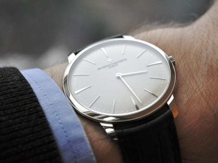 穿的衣服越来越多,冬天还适合佩戴手表吗?