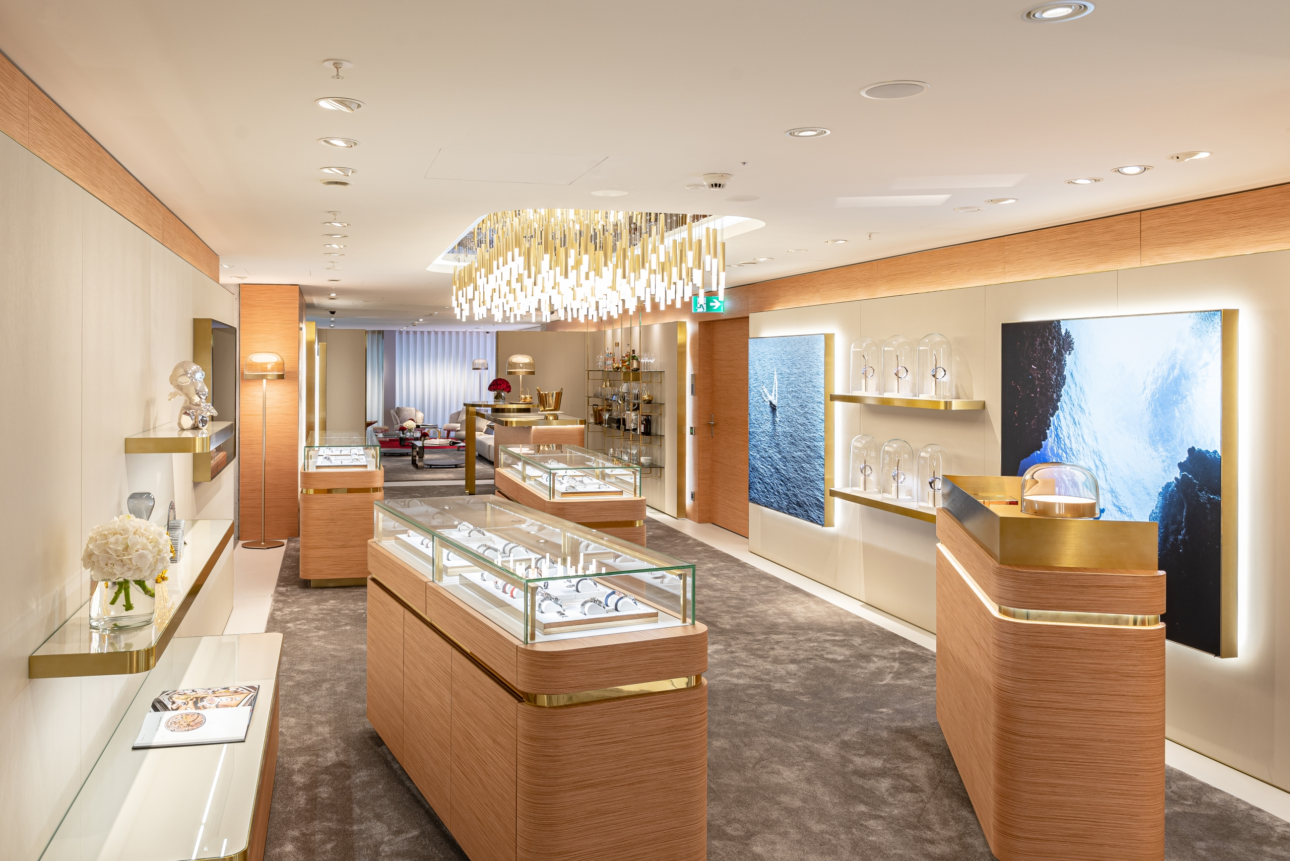 Omega-The-Circle-Zurich-interior-3-scaled.jpg