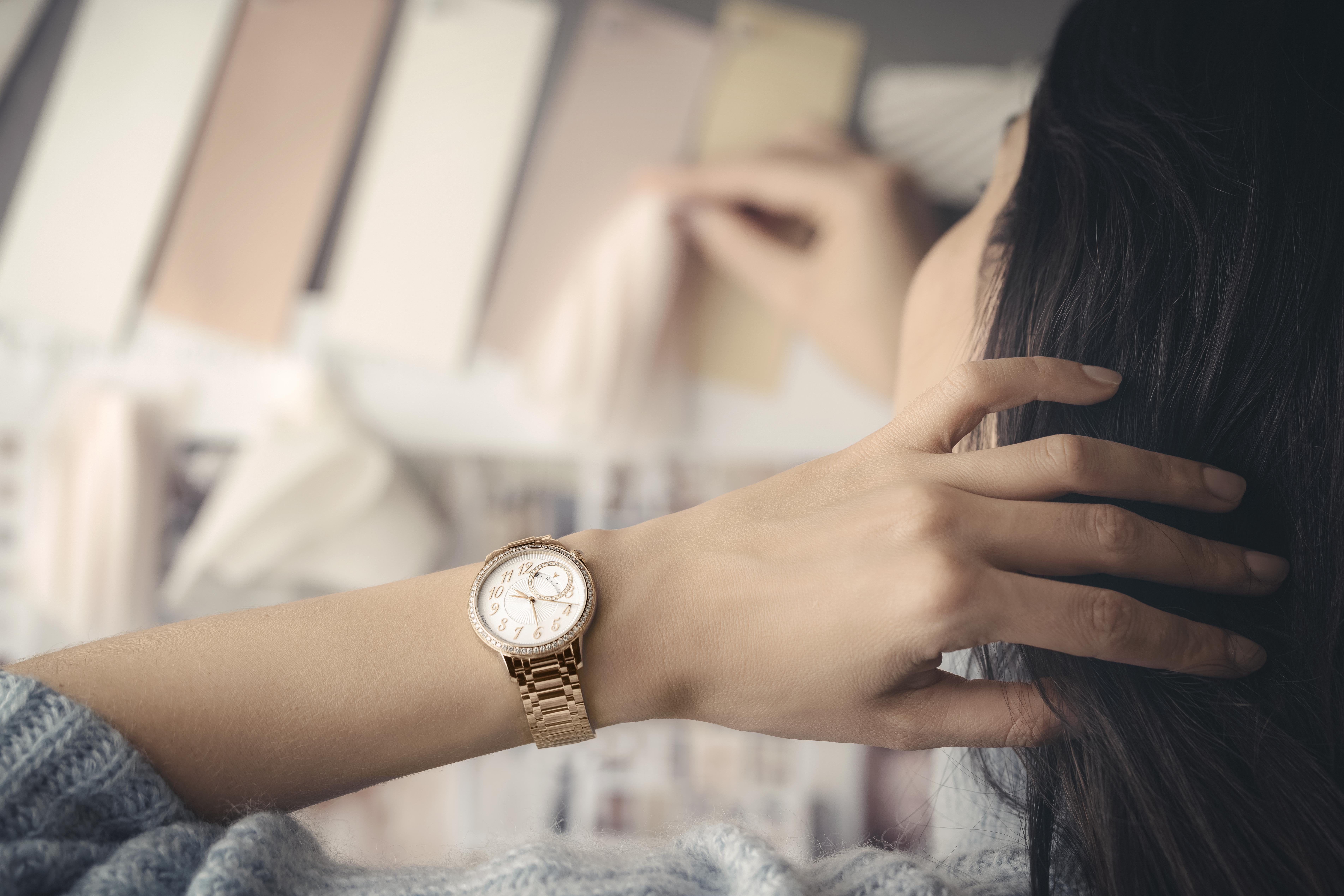 江诗丹顿Égérie伊灵女神系列自动上链腕表 全金材质辉映高级制表之美