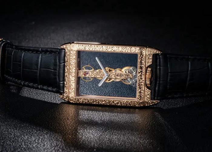 昆仑表CORUM长方形金桥手工雕刻腕表,经典金桥的雕刻艺术 丨 大腕钟表新媒体
