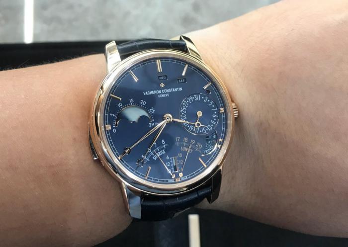 它们不是古董表,这两只手表都价值千万,你们说值吗?