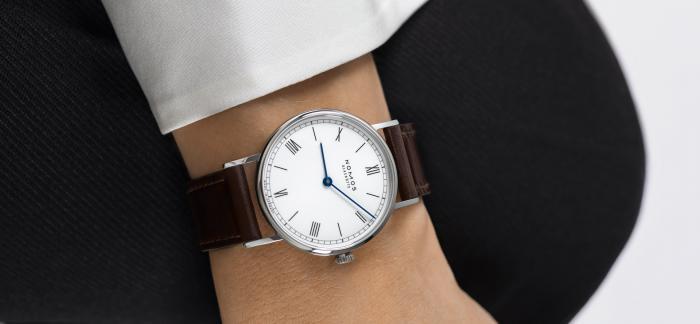 NOMOS以经典表款为原型,推出全新Ludwig 33 duo女士腕表