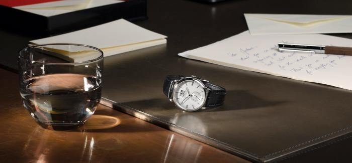 朗格推出全新配备银白色表盘的SAXONIA萨克森大日历腕表