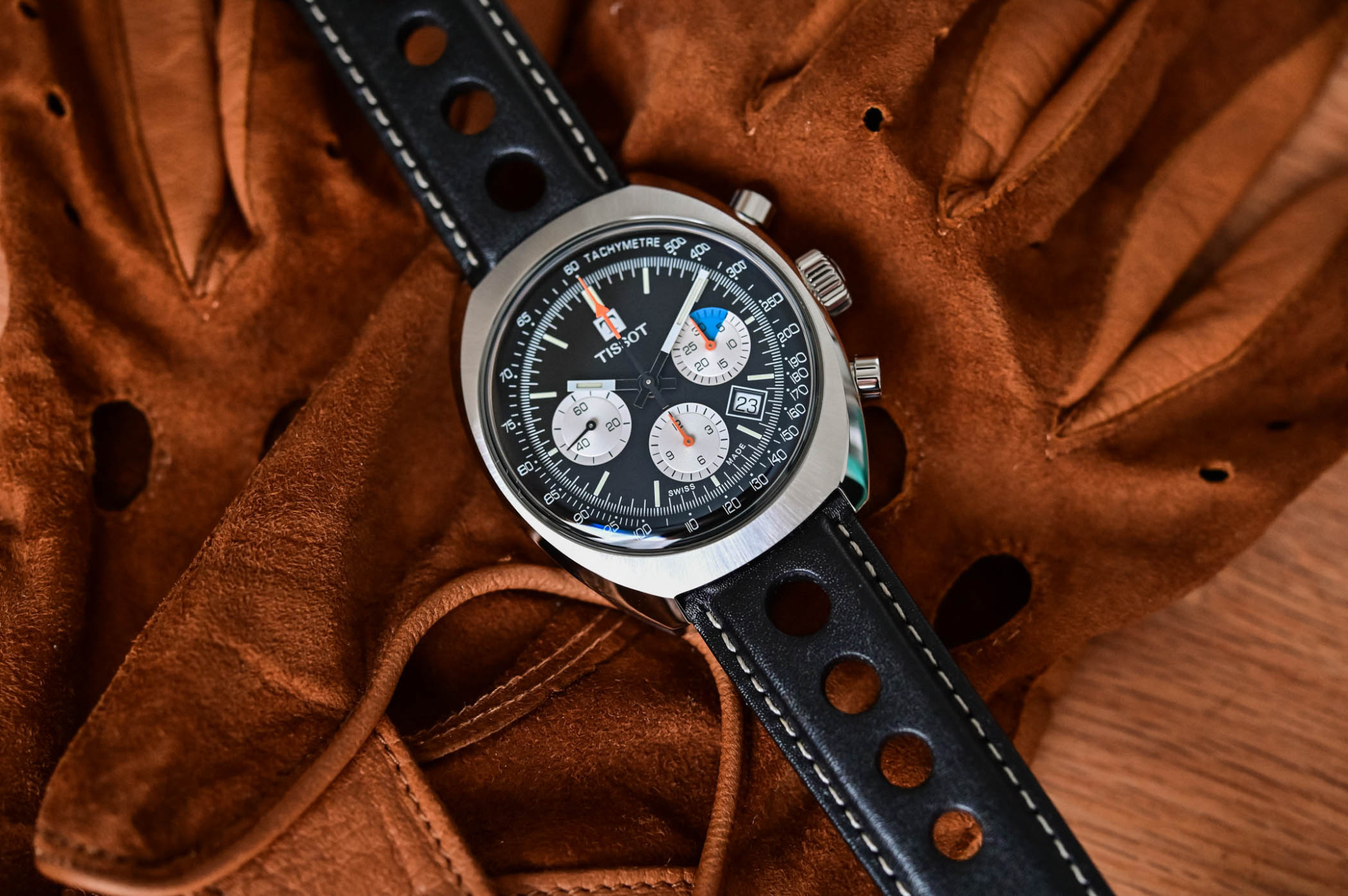 tissot-heritage-1973-chronograph-T124.427.16.051.00-review-9-2048x1362.jpg