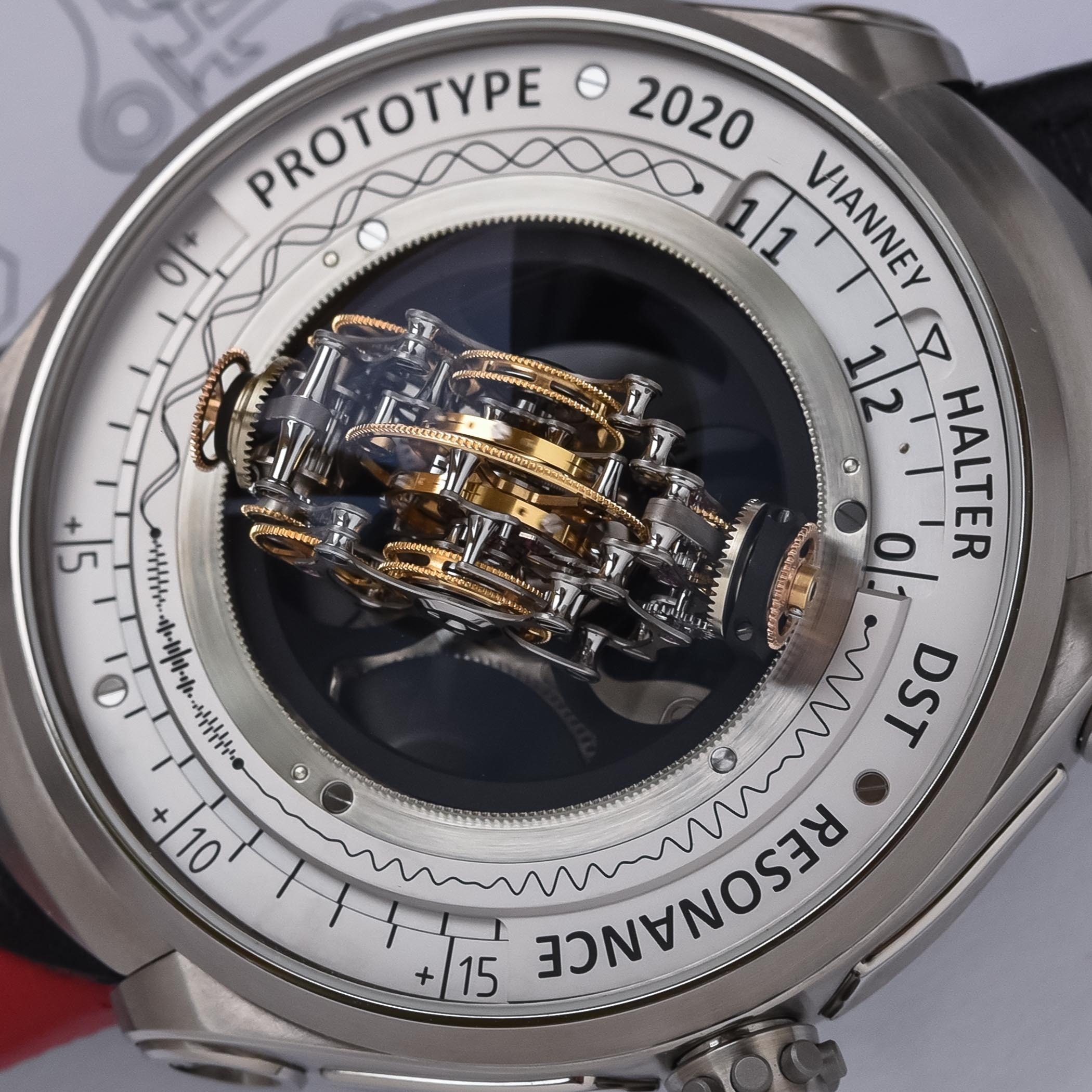 Vianney-Halter-Deep-Space-Resonance-Tourbillon-Prototype-4.jpg