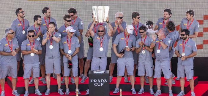 意大利LUNA ROSSA PRADA PIRELLI帆船队晋级美洲杯帆船赛决赛