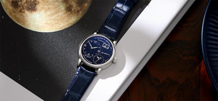 朗格推出LANGE 1小型款月相腕表