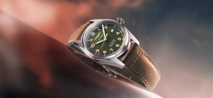 浪琴表先行者系列现推出绿色腕表