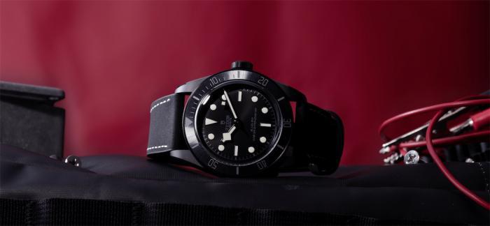帝舵表推出全新碧湾陶瓷型(Black Bay Ceramic)腕表