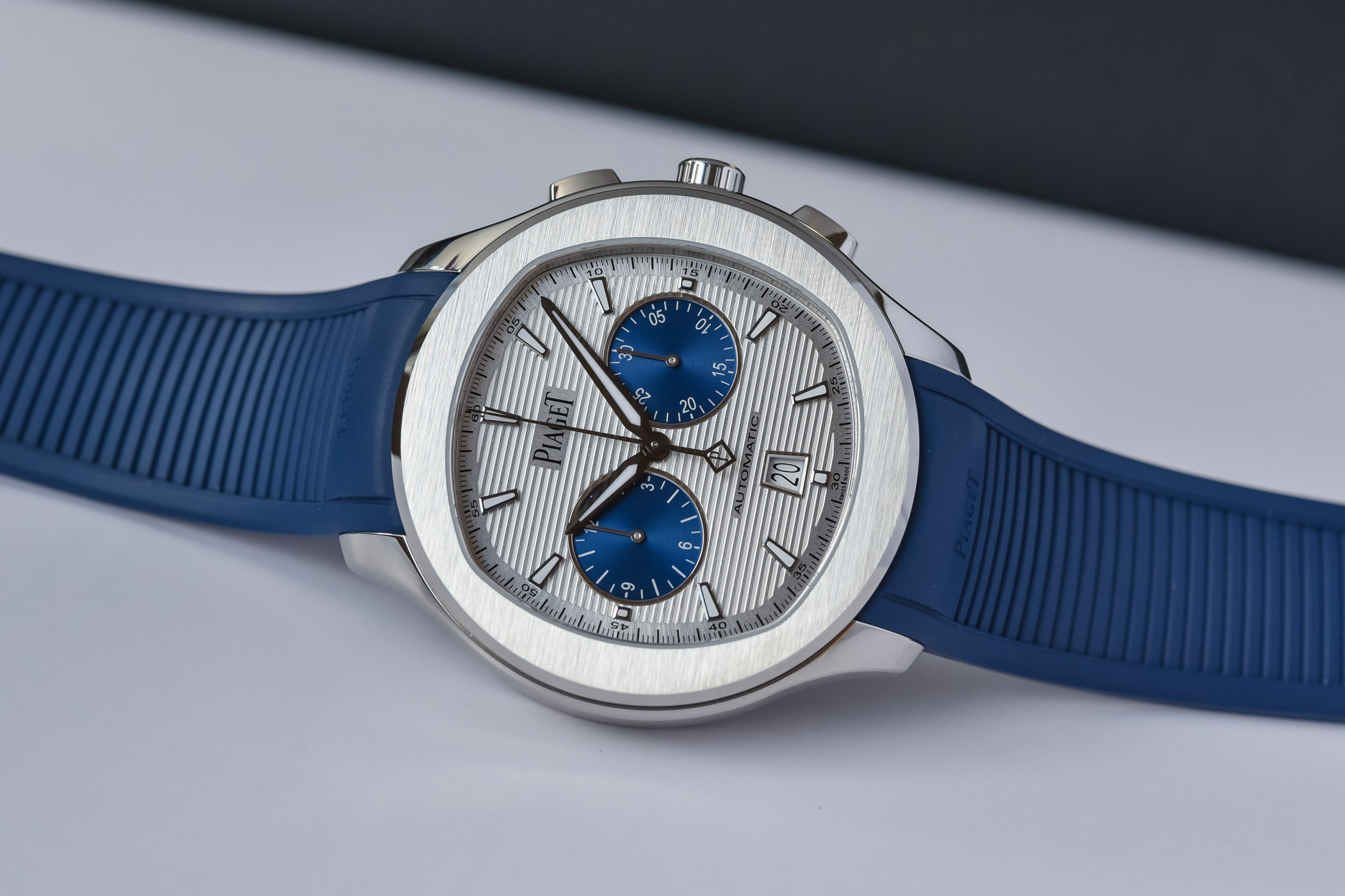 Piaget-Polo-Blue-Panda-Automatic-Chronograph-42mm-Rubber-Strap-G0A46013-hands-on-6.jpg