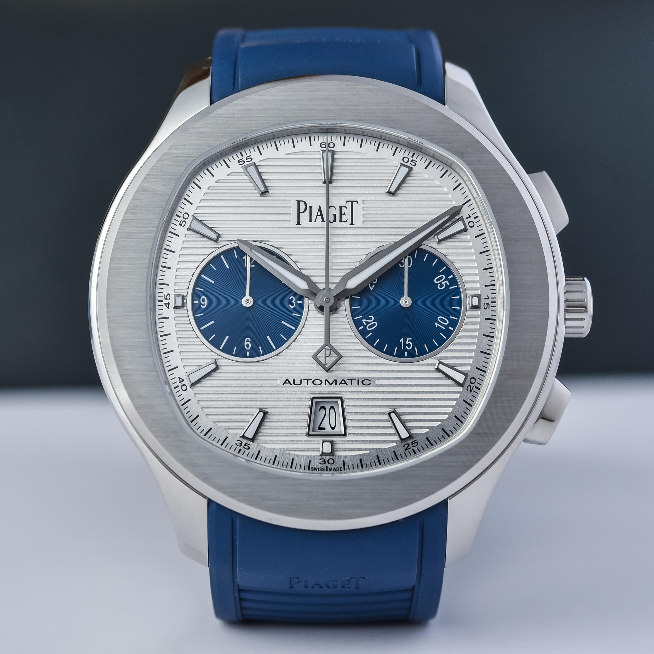 Piaget-Polo-Blue-Panda-Automatic-Chronograph-42mm-Rubber-Strap-G0A46013-hands-on-5.jpg