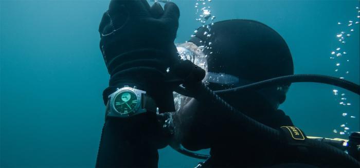水下也能正常启动计时的复古潜水表-Aquastar Deepstar 格林威治潜水计时码表