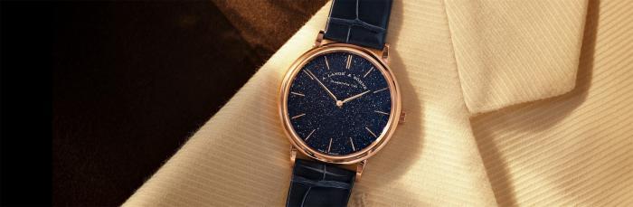 朗格SAXONIA萨克森纤薄腕表,18K玫瑰金表壳搭配铜蓝色表盘,尽显优雅风范