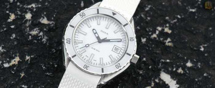 时度SUB 200珍珠白腕表——polo衫渣男必备