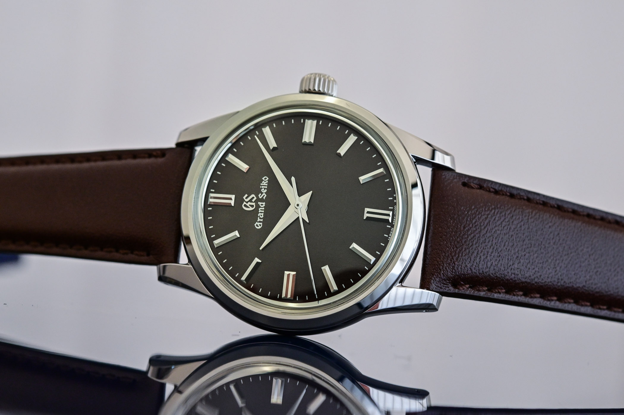 Grand-Seiko-Elegance-Collection-European-Edition-SBGW267-SBGW269-hands-on-review-5.jpg