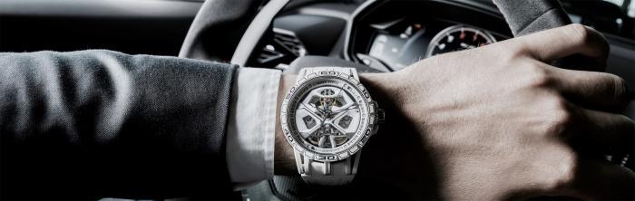 全新EXCALIBUR SPIDER HURACÁN腕表白色款带给您疾速驰骋的昂扬激情