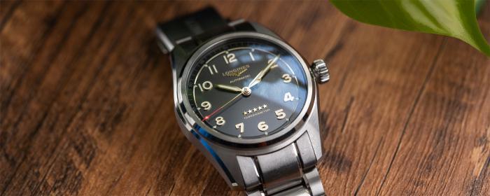 独家点评2021全新浪琴先行者系列钛合金款腕表
