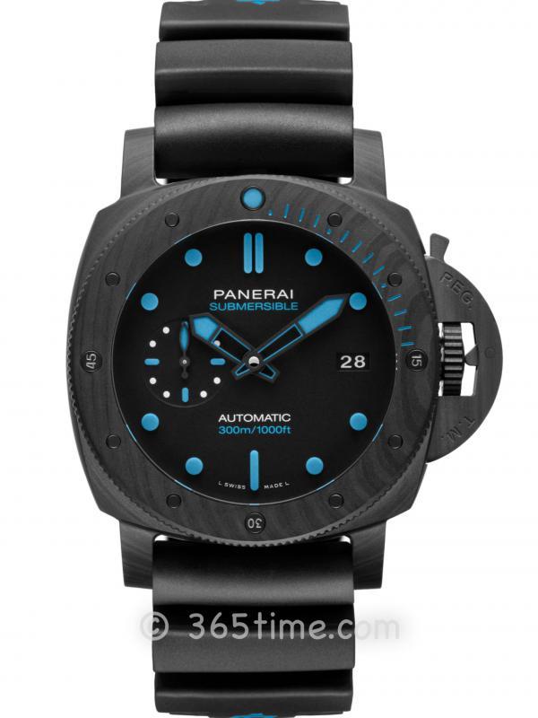 沛纳海SUBMERSIBLE CARBOTECHTM 潜行系列碳纤维腕表PAM00960