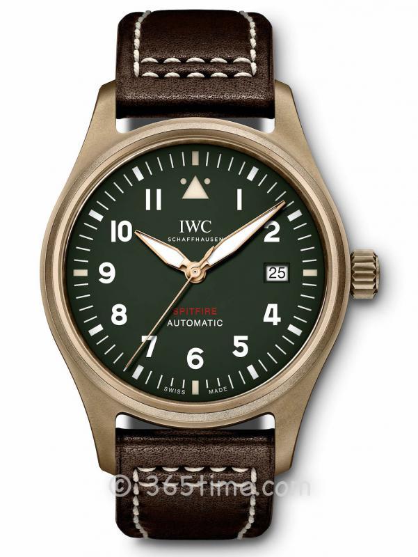 IWC万国喷火战机飞行员自动腕表IW326802