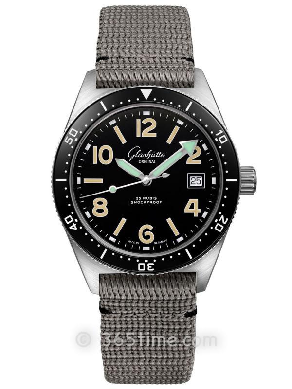 格拉苏蒂原创Spezialist系列SeaQ自动机械腕表1-39-11-01-80-34(折叠扣)