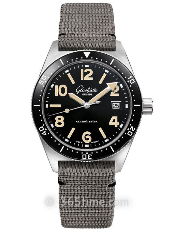 格拉苏蒂原创Spezialist系列SeaQ自动机械腕表1-39-11-06-80-34(折叠扣)