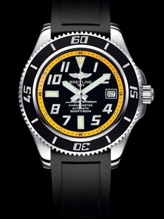 百年灵超级海洋42腕表系列A1736402/BA32黑深潜胶带
