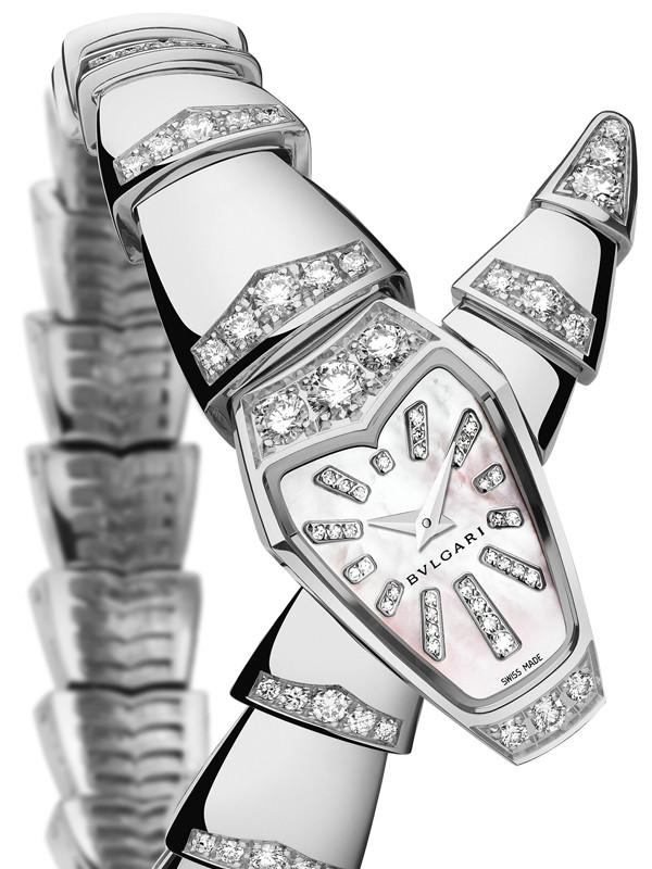 宝格丽Serpenti系列高级珠宝白金白色珍珠母贝表盘款