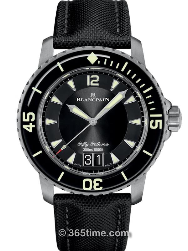 Blancpain宝珀五十噚系列瞬跳大日期腕表5050-12B30-B52A