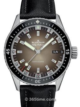 宝珀五十噚系列双历腕表5052-1110-B52A